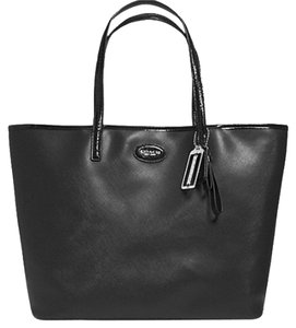 Coach Shopping Christmas Present Multifunctional Shopping Gift Travel Leather Sleek Sophisticated Designer Saffiano Leather Tote in Black