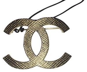 Chanel Cc Logo Large Gold Classic Brooch