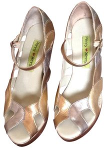 Penny Loves Kenny Gold,silver Wedges
