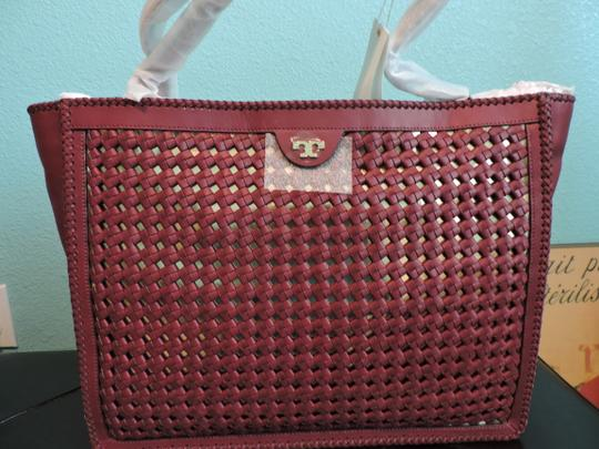 Tory Burch Leather Tote in Cabernet