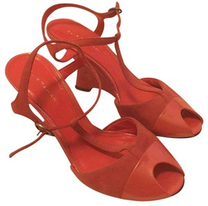 Elie Tahari Mauvy rose/soft red Wedges