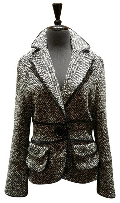 Preload https://item4.tradesy.com/images/blackwhitehot-pink-and-boucle-spring-jacket-size-8-m-1514958-0-0.jpg?width=400&height=650