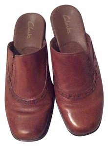 Clarks Tobacco Mules