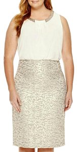 Worthington Pencil Jacquard Gold Skirt