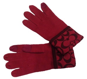 Coach New Coach Signature Knit Red Gloves
