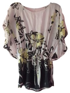 To via T Shirt Off White With Yellow Flowers