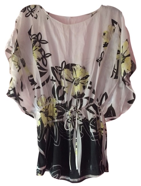 Preload https://item3.tradesy.com/images/off-white-with-yellow-flowers-tee-shirt-size-4-s-1515527-0-0.jpg?width=400&height=650
