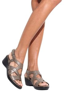 Naturalizer Leather BROWN Sandals