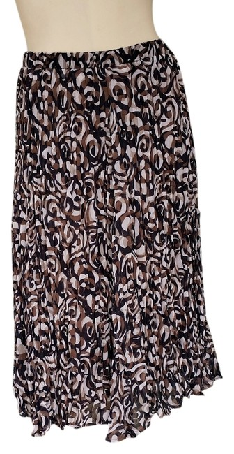 Preload https://item2.tradesy.com/images/chico-s-brown-new-black-ivory-crinkled-pull-on-or-us-knee-length-skirt-size-4-s-27-1515681-0-0.jpg?width=400&height=650