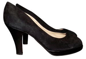 ALAÏA Suede Round Toe Closed Toe Night Out Simple Black Pumps