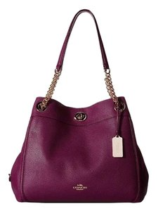 Coach Turnlock Edie 31 Shoulder Bag