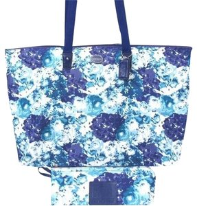 Coach BLUE MULTI FLORAL Travel Bag