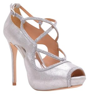 Badgley Mischka Wedding Bridesmaid Prom Party Silver Pumps