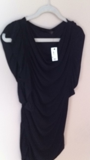 The Limited Fitted Flowy Top black