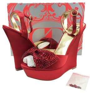 Kelsi Dagger Red Wedges