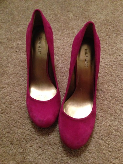 Nine West Rounded Toe Round Toe Heels Bright Pop Of Color Suede Raspberry Pumps