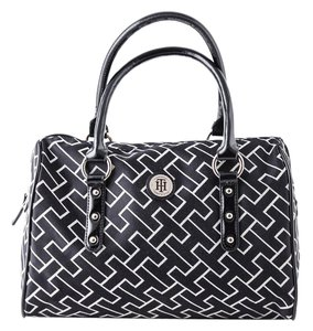 Tommy Hilfiger Th Patent/canvas Tote in Black/Ivory