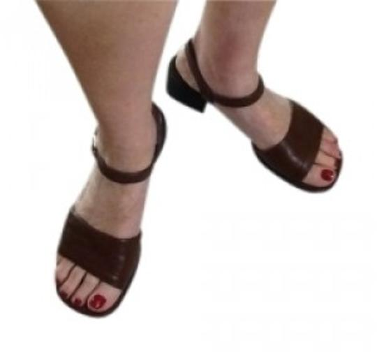 Preload https://item4.tradesy.com/images/naturalizer-brown-comfortable-sandals-size-us-8-151643-0-0.jpg?width=440&height=440