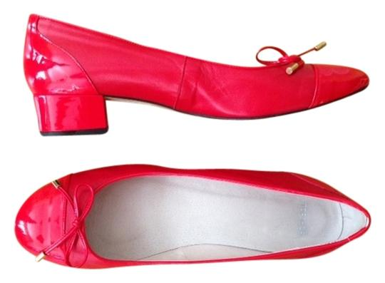Preload https://item1.tradesy.com/images/topshop-bright-christmas-red-pumps-size-us-9-1516445-0-0.jpg?width=440&height=440
