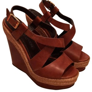Gastone Lucioli Brown with roping detail Wedges
