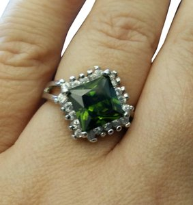 Peridot and white topaz cocktail ring