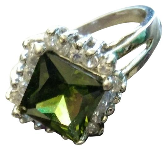 Other Peridot and white topaz cocktail ring
