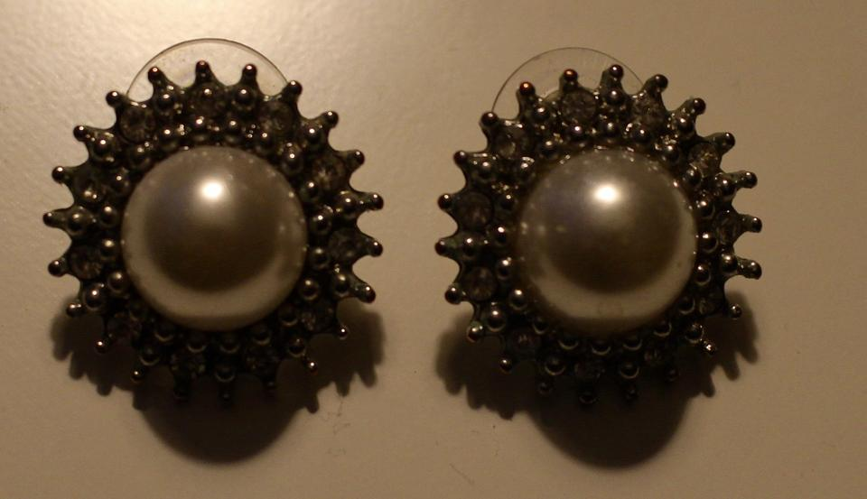 BaubleBar Silver Pearl Statement Earrings 81% off retail