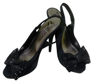 Steve Madden Size 7 Fabric Upper Manmade Made In China black with bling bow at peep toe Pumps
