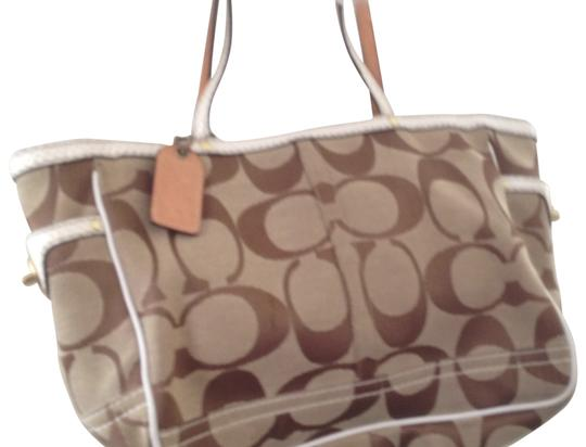 Preload https://item1.tradesy.com/images/coach-brown-tote-151690-0-0.jpg?width=440&height=440