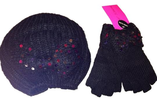 Betsey Johnson Betsy Johnson Knitted Sequin Bow Hat And Matching Texting Gloves