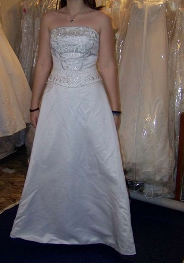 David's Bridal White Satin Style #t8589 Formal Wedding Dress Size 6 (S)