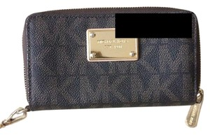 Michael Kors Wristlet in Brown Leather