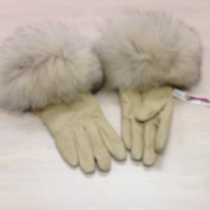 Alexandra Bartlett Fox Fur, Cashmere And Leather Gloves