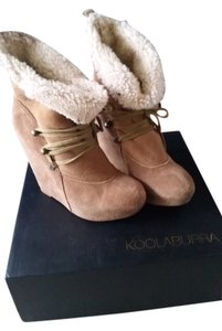 Koolaburra Wedge Bootie Fleece Chestnut Suede Boots