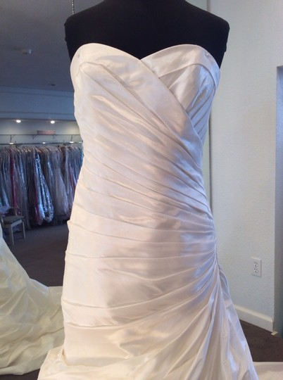 Enzoani Ivory Wedding Dress Size 12 (L)