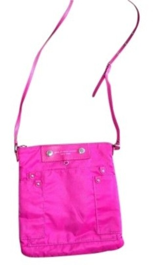 Preload https://item3.tradesy.com/images/marc-by-marc-jacobs-preppy-magenta-80-nylon-20-pvc-cross-body-bag-151762-0-0.jpg?width=440&height=440