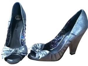 Madden Girl Silver Pumps