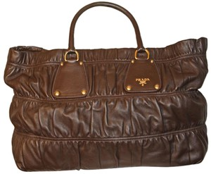 Prada New Vintage Leather Tote in Coffee