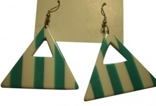 Preload https://item5.tradesy.com/images/green-and-white-unique-triangle-earrings-151799-0-0.jpg?width=440&height=440