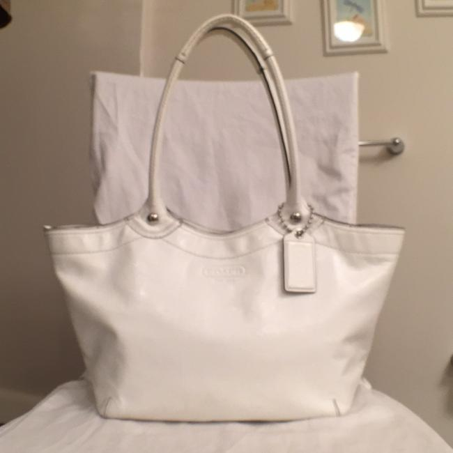 Item - F14483 Satchel White Silver Patent Leather Tote