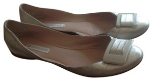 L'Autre Chose Silver with white buckle. Flats