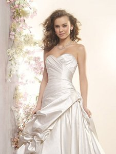 Alfred Angelo 2406 Wedding Dress