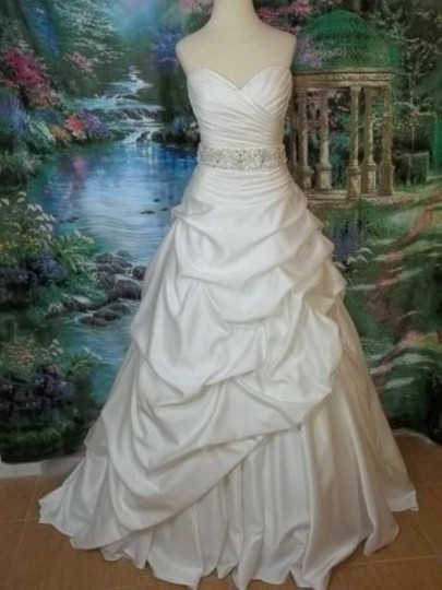 Mori Lee Ivory Satin 4863 Formal Wedding Dress Size 6 (S)