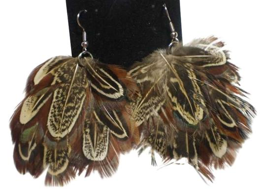 Preload https://item1.tradesy.com/images/body-central-new-feather-earrings-151855-0-0.jpg?width=440&height=440