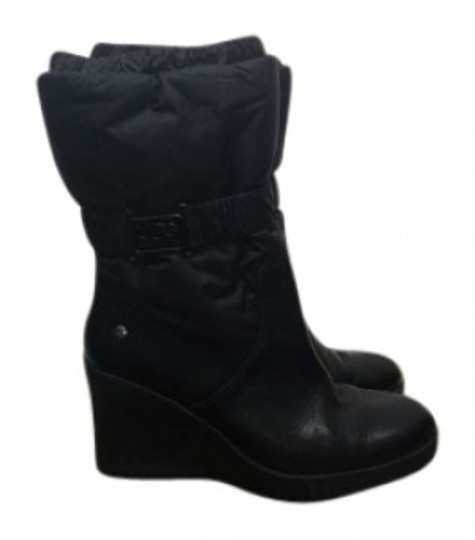 Preload https://item1.tradesy.com/images/ugg-australia-black-cassady-wedge-bootsbooties-size-us-7-151870-0-0.jpg?width=440&height=440