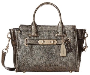 Coach 35990 Swagger20 Gold Satchel in Metallic Gold