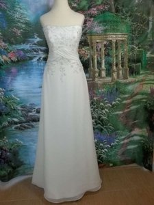 Alfred Angelo Ivory 1721 Formal Wedding Dress Size 6 (S)