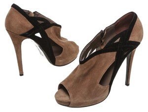 H Williams Taupe Pumps