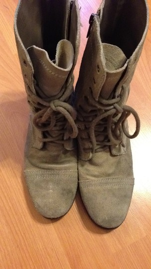Steven by Steve Madden light gray suede Boots