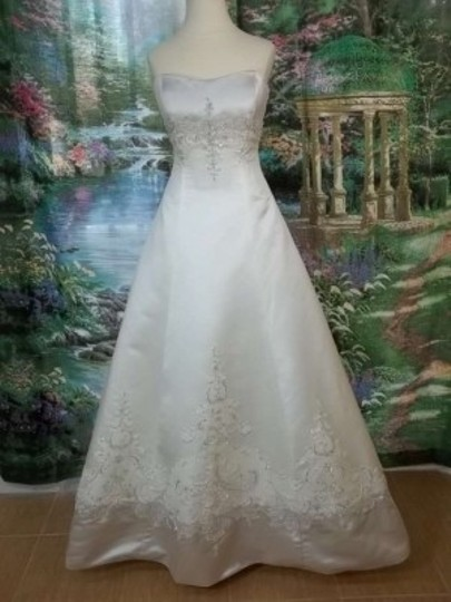 Mon Cheri Ivory/Oyster Satin Tv18243 Formal Wedding Dress Size 10 (M)